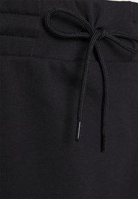 Nike Sportswear - CLASH SKIRT - Mini skirt - black - 2