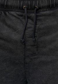 INDICODE JEANS - Denim shorts - Black - 3