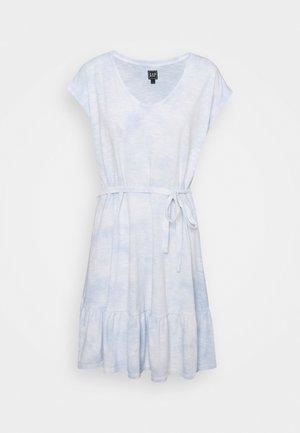 TIERED - Vestido ligero - cloudy blue