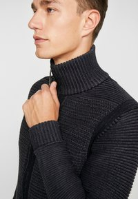 Petrol Industries - Cardigan - raven grey - 4