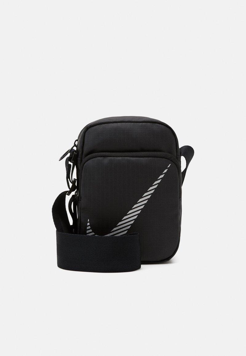 Nike Sportswear - HERITAGE - Taška spříčným popruhem - black