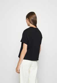 Levi's® - GRAPHIC VARSITY TEE - T-shirt imprimé - multicolor/black - 2