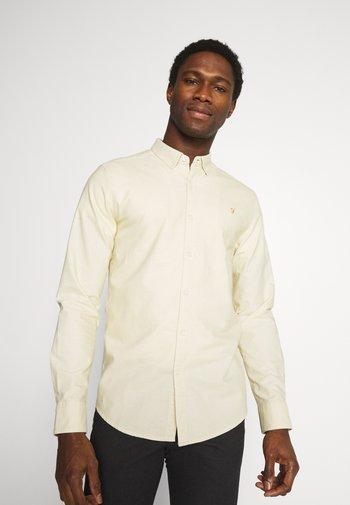 BREWER SLIM - Skjorta - yellow