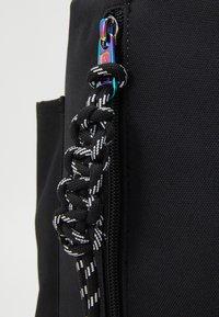 Levi's® - NAUTICAL BACKPACK UNISEX - Rucksack - regular black - 4
