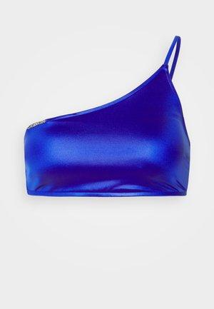 CORE ESSENTIALS ONE SHOULDER - Bikini top - sapphire blue