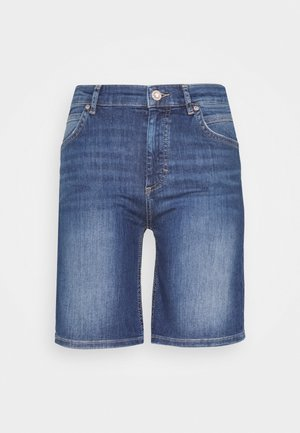 Denim shorts - mid commercial wash