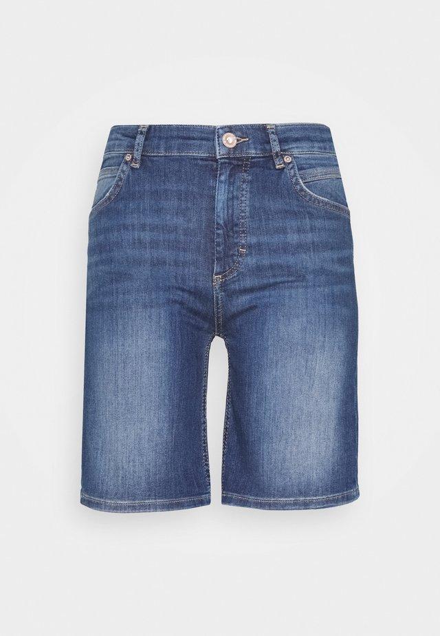 Shorts vaqueros - mid commercial wash