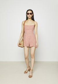 Abercrombie & Fitch - FRONT RUCHED ROMPER  - Mono - red dot - 1