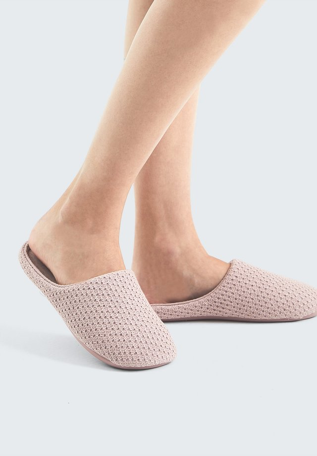 BASIC EMBROIDERED - Chaussons - mauve