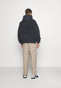 Vintage Supply - CORE OVERDYE HOODIE - Sweatshirt - black - 2