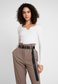 Gina Tricot - VERA - T-shirt à manches longues - off white - 0