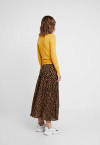 Louche - IDIE SPOT - Cardigan - yellow - 2