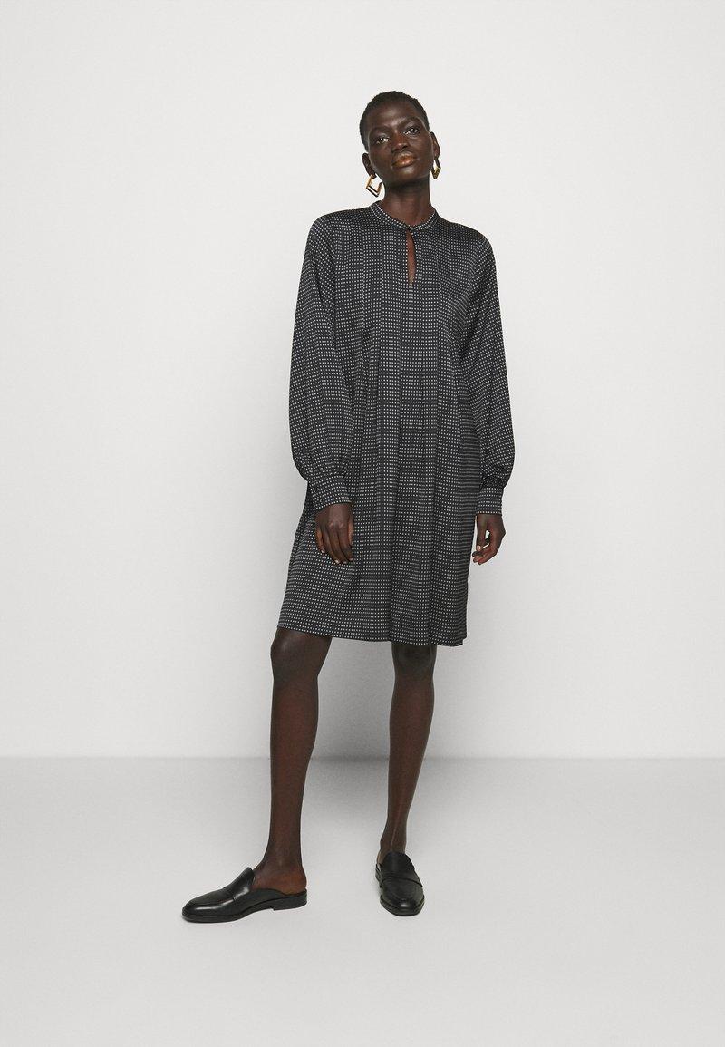 Bruuns Bazaar - ACACIA ARIE DRESS - Denní šaty - black
