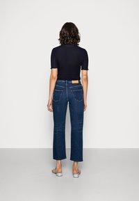Selected Femme - SLFKATE INKY - Straight leg -farkut - medium blue denim - 2