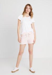 GAP - RETRO - Shorts - milkshake pink - 1
