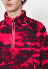 adidas Originals - Vesta od flisa - core pink - 4