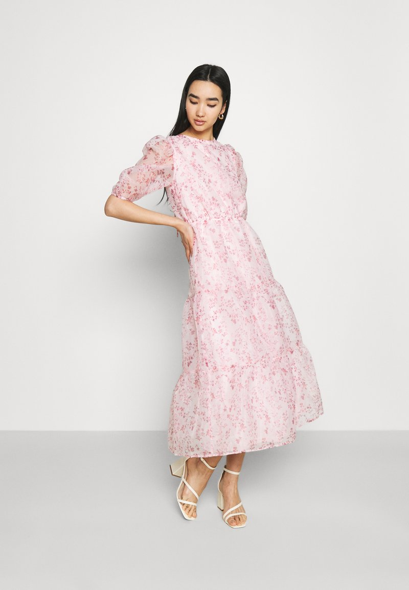 Missguided - FLORAL TIE BACK SMOCK DRESS - Cocktail dress / Party dress - pink