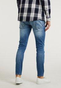 CHASIN' - Slim fit jeans - light blue - 1