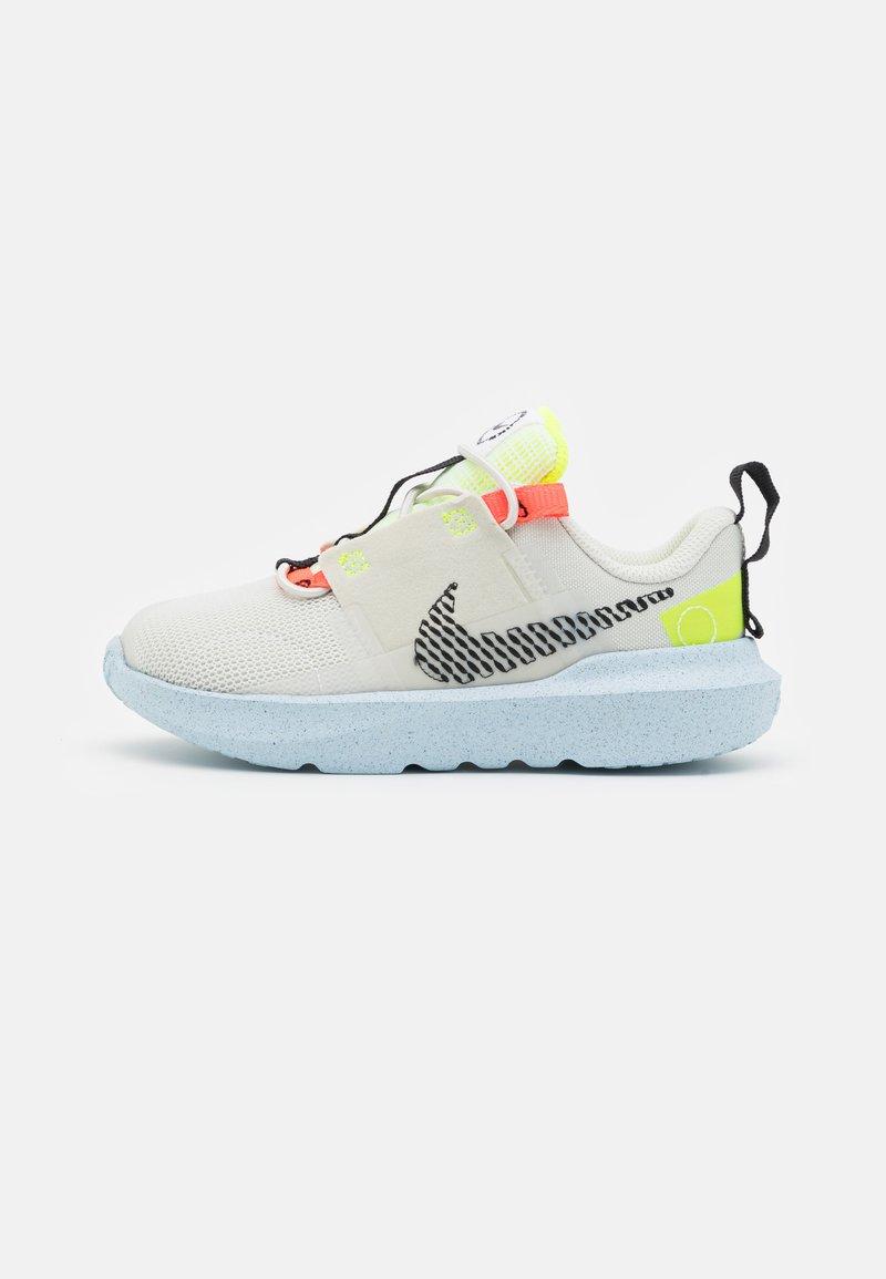 Nike Sportswear - CRATER IMPACT  - Zapatillas - light bone/black/stone/bright crimson/blue