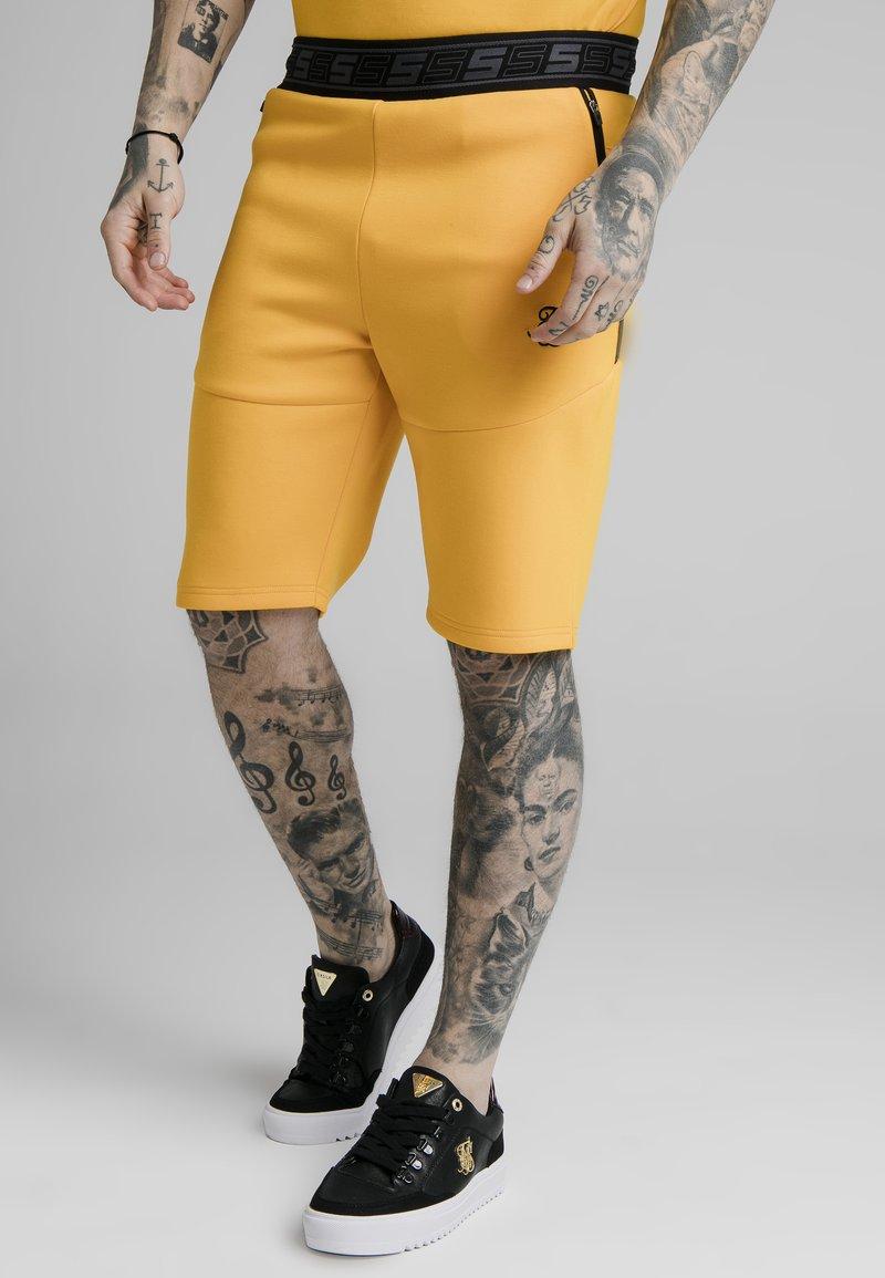 SIKSILK - Shortsit - yellow