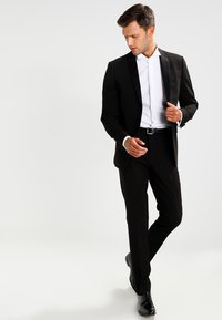 Lindbergh - TUX SLIM FIT - Suit - black