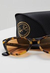 Ray-Ban - Sluneční brýle - havana gialla - 2