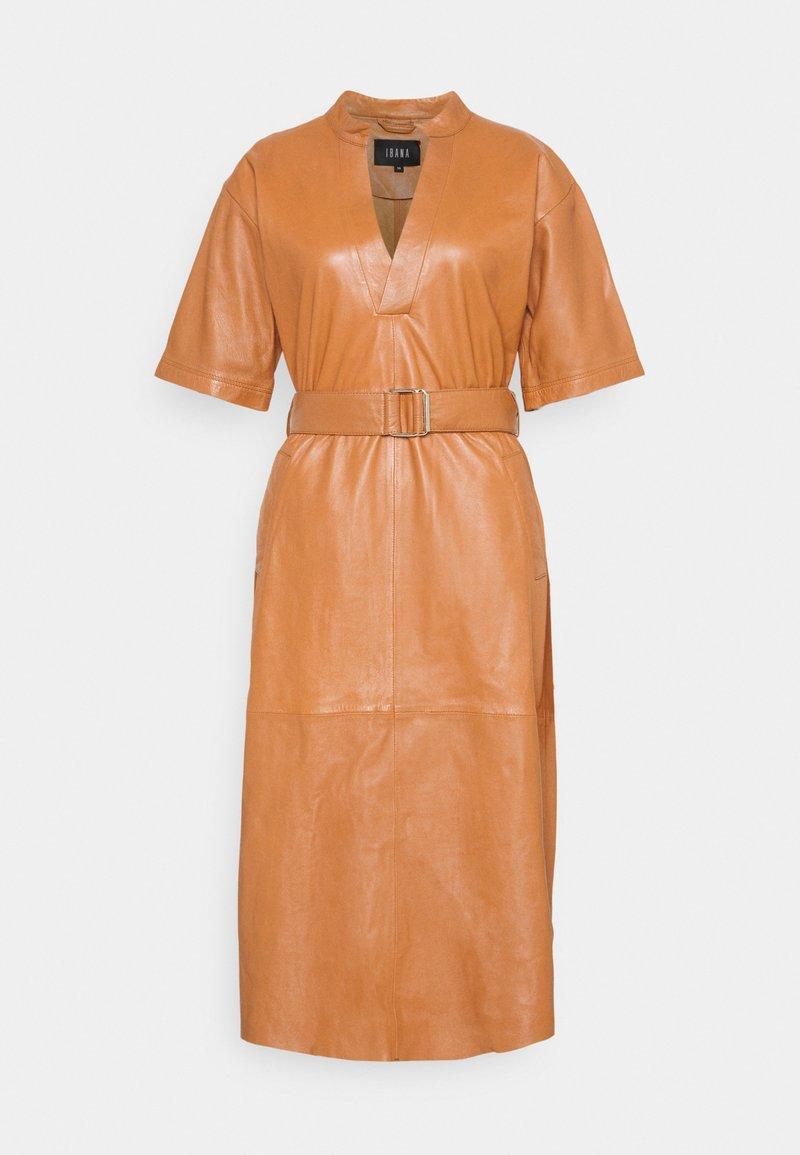 Ibana - DAVINE - Denní šaty - cognac
