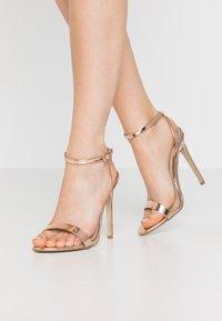 Missguided - BASIC BARELY THERE - Sandály na vysokém podpatku - rose gold metallic - 0