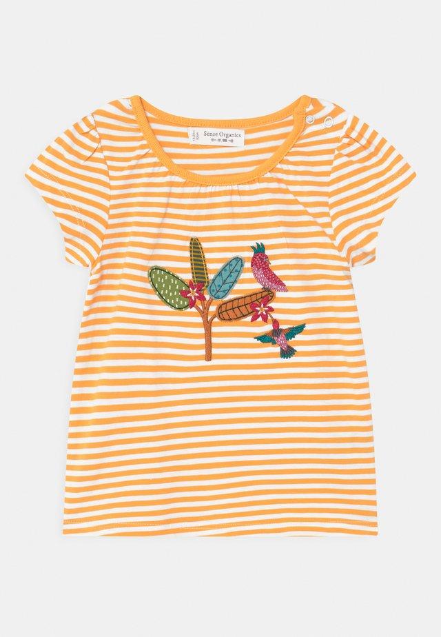 GADA BABY  - T-shirt imprimé - yellow