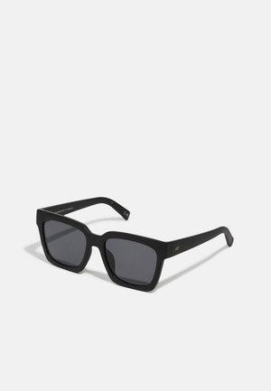 WEEKEND RIOT - Sunglasses - matte black