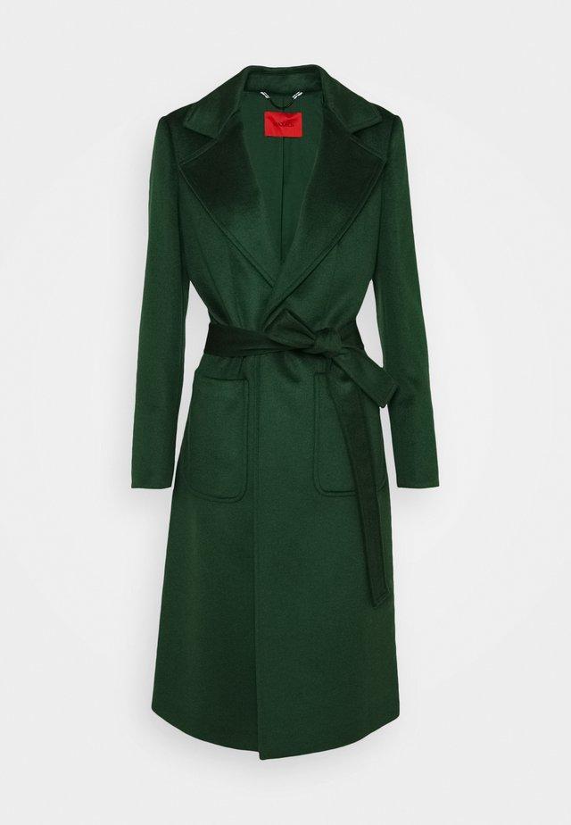 RUNAWAY - Zimní kabát - dark green