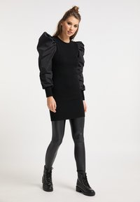 myMo ROCKS - Vestido de punto - schwarz schwarz - 1