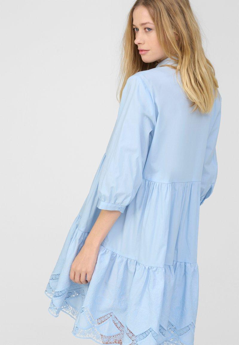 Orsay Blusenkleid Samtblau Blau Zalando De