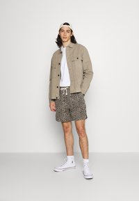 BDG Urban Outfitters - LEOPARD DRAWSTRING - Shorts - brown - 1