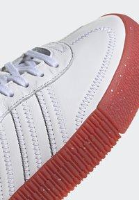 adidas Originals - SAMBAROSE - Joggesko - footwear white/scarlet/core black - 8
