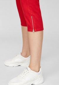 s.Oliver - Denim shorts - red - 5