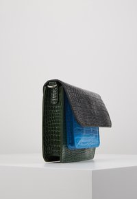 HVISK - CAYMAN POCKET - Across body bag - dark grey - 4
