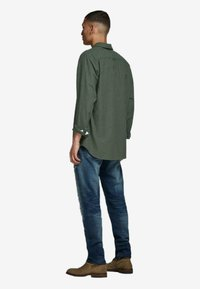 Jack & Jones - Skjorter - olive night - 2