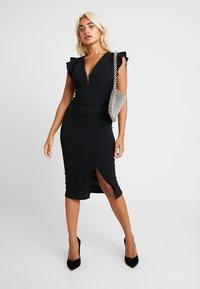 WAL G PETITE - Pouzdrové šaty - black - 2