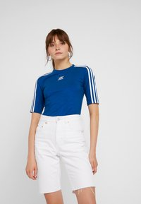 adidas Originals - T-shirts med print - tech mineral - 0