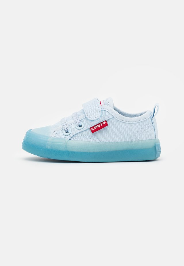 MAUI UNISEX - Trainers - light blue