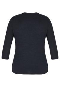 LeComte - MIT GLITZERNDEM FRONT-PRINT UND NIETEN - Long sleeved top - schwarz - 1