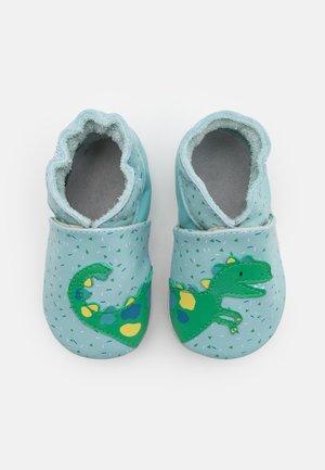 SMILING DINO - Chaussons pour bébé - bleu clair