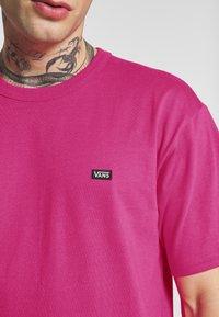 Vans - MN OFF THE WALL CLASSIC SS - Basic T-shirt - fuchsia purple - 5