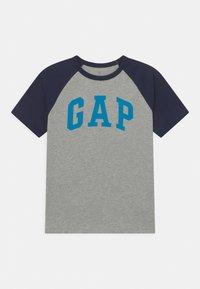 GAP - BOYS LOGO - Print T-shirt - blue galaxy - 0