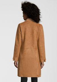 Rino&Pelle - MANTEL BABICE - Short coat - clay - 1