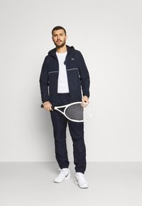 Lacoste Sport - TRACK SUIT SET - Trainingsvest - navy blue/white - 1