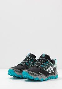 ASICS - GEL-FUJITRABUCO 8 G-TX - Chaussures de running - fresh ice/white - 2