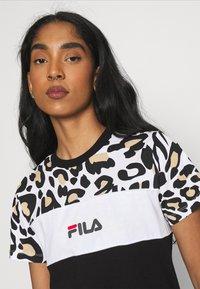 Fila - ANOKIA BLOCKED TEE - Print T-shirt - bold/black/bright white - 3