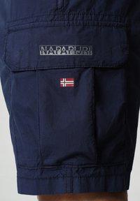 Napapijri - N-ICE CARGO - Shorts - medieval blue - 3